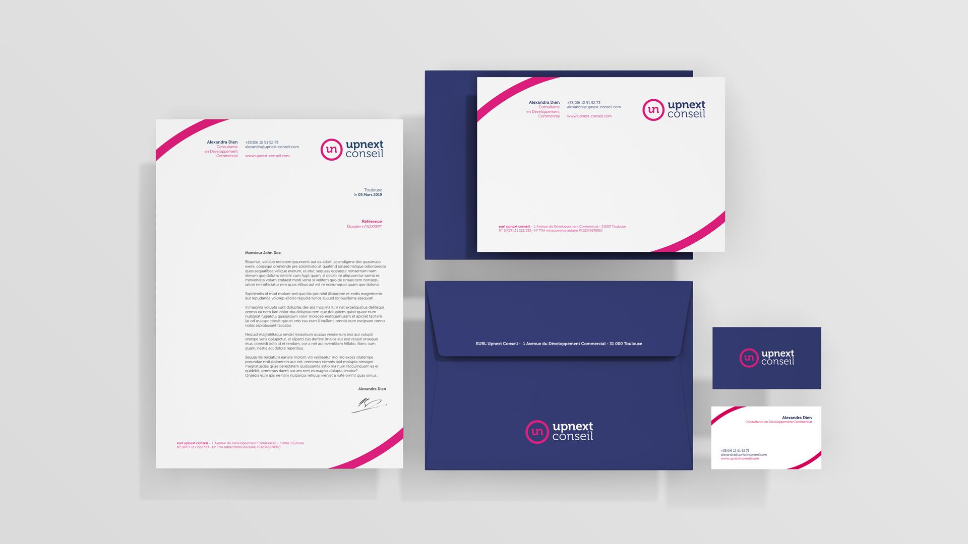 Upnext Conseil Branding - Création carte de visite, papeterie et enveloppe